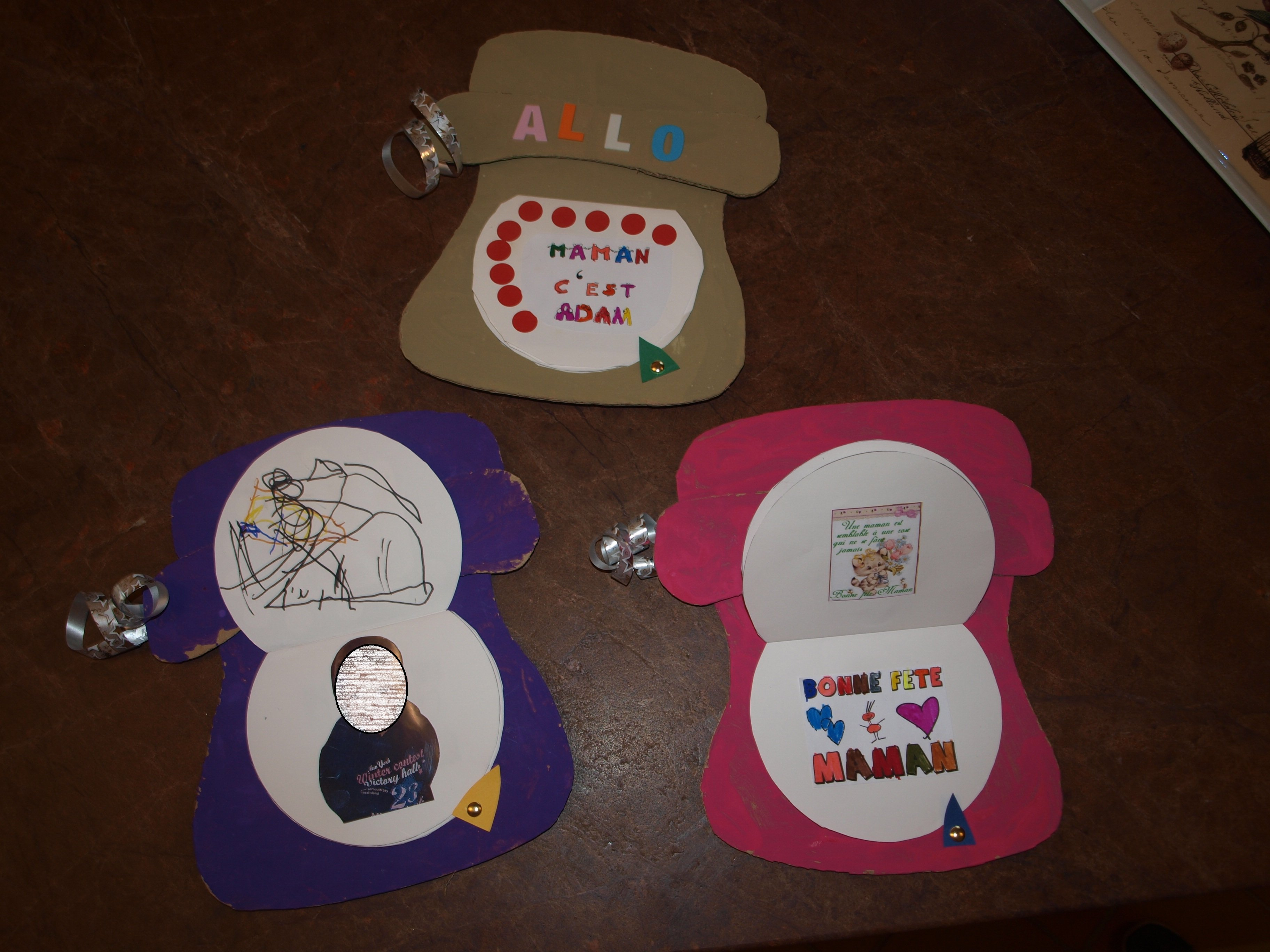 christelle assistante maternelle a naintre cadeau fetes des meres 2014 un t l phone. Black Bedroom Furniture Sets. Home Design Ideas